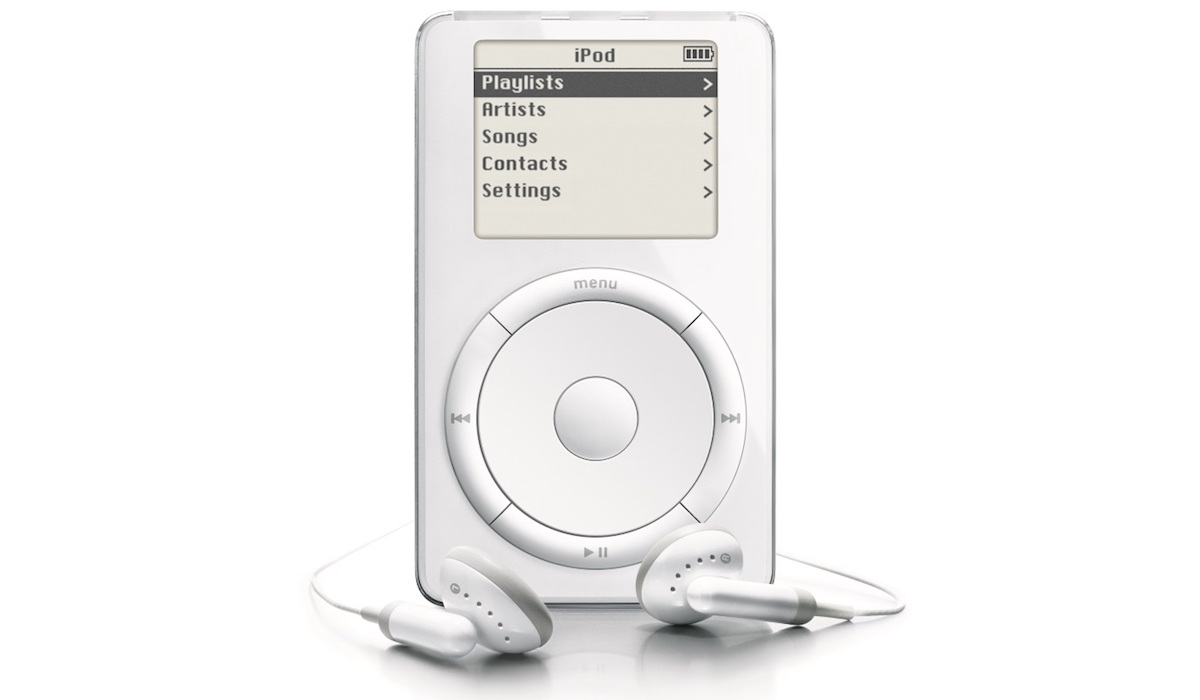 Apple iPod (2001).