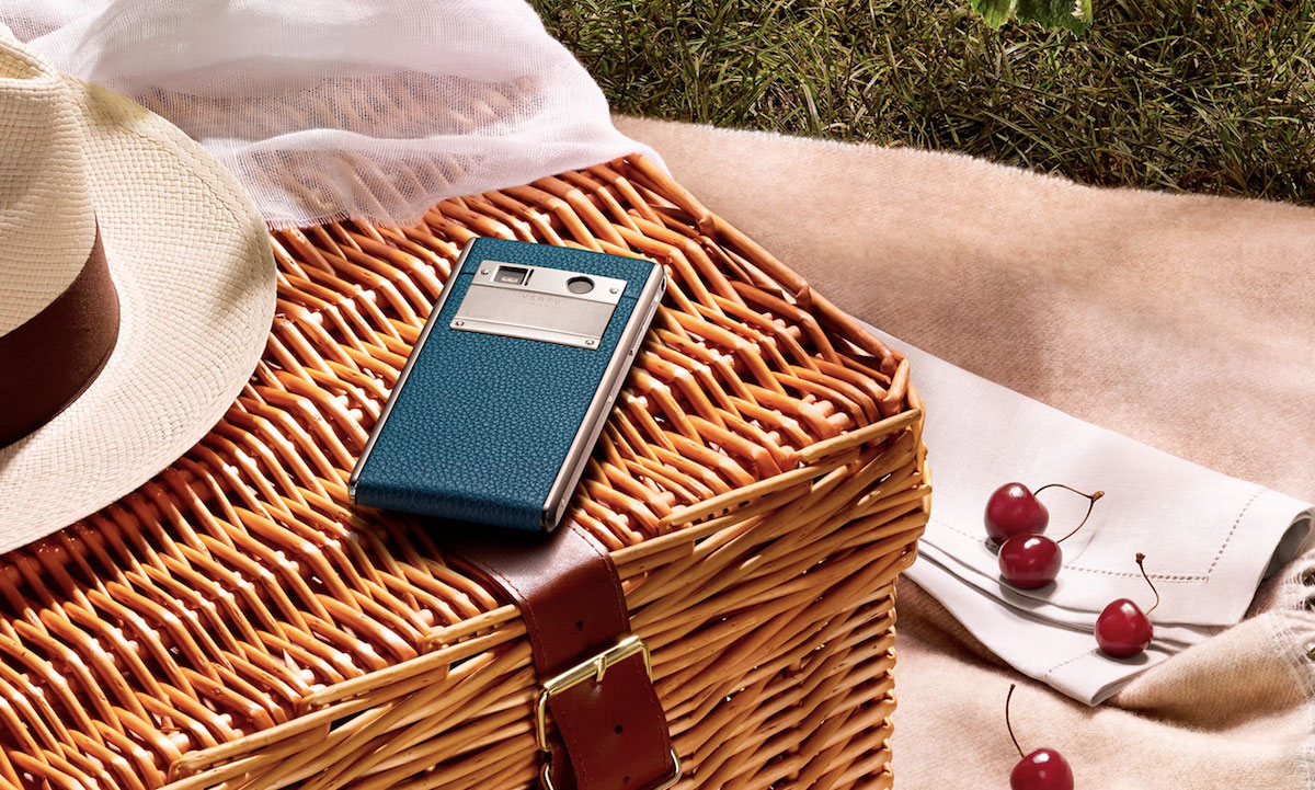 Vertu Phone, Lagoon Blue Calf Leather.